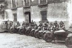 Unidad motorizada de la Guardia Nacional Republicana creada por el gobierno frentepopulista durante la guerra en sustitución de la Guardia Civil.