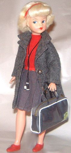 http://www.sindy-dolls.com/images/60s%20dolls/HAPPY%20TRAVELLER12.jpg