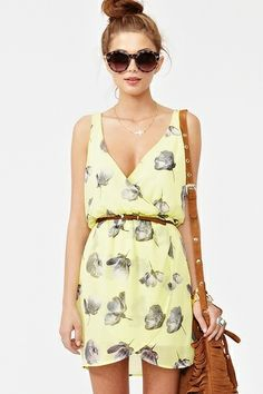 Yellow is currently my fave color! Floral + Pastel = prim, proper, and feminine:) http://bit.ly/HkJAMn