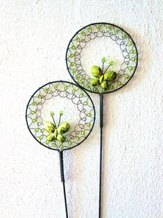Zelenkavý - zápich Wire Flowers, Beaded Flowers, Paper Flowers, Copper Wire Art, Wire Ornaments, Pinterest Jewelry, New Things To Try, Art N Craft, Diy Garden Projects