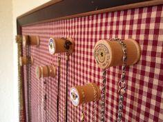 DIY: vintage spool necklace display