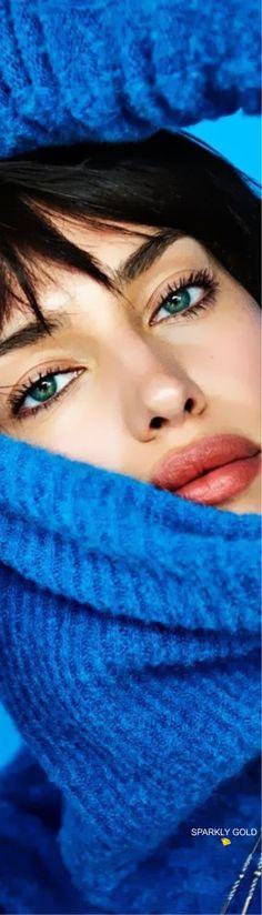 Gold Fashion, Autumn Fashion, Vogue Portugal, Keeping Up Appearances, Recognition Awards, Brunette Beauty, Gorgeous Women, Beautiful, Irina Shayk