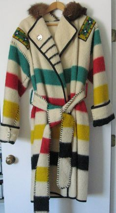 This is a reproduction of a circa coat make from a Hudson Bay trade blanket and worn by both Mountain men and Native Americans of the fur trade period. The Hudson bay wool blanket was . Classic Outfits, Cute Outfits, Classic Clothes, Mountain Man Clothing, Mountain Man Rendezvous, Mountain Art, Capote Coat, Hudson Bay Blanket, Blanket Coat