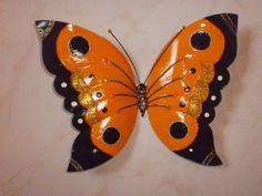 Fazendo borboletas de garrafa pet                                                                                                                                                                                 Mais