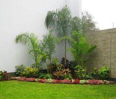 En el post del día de hoy quiero compartir con nuestros lectores algunos diseños de Jardineras que caben perfectamente en espacios pequeños.