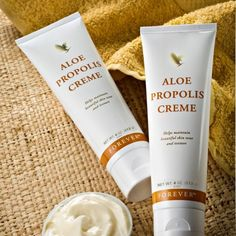 Propolis Cream This is a great cream that's rich and creamy made with Aloe Vera and camomile and helps skin. Aloe Vera, Propolis Creme, Forever Living Products, Facial Skin Care, Beauty Care, Squat, Moisturizer, Personal Care, Pilates