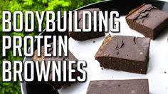 BROWNIES WHILE CUTTING: Low-Carb Protein Brownies