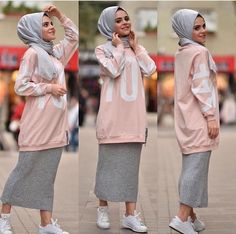 Cozy Hijab Look in Sweater Outfit – Girls Hijab Style & Hijab Fashion Ideas Modern Hijab Fashion, Street Hijab Fashion, Islamic Fashion, Abaya Fashion, Muslim Fashion, Modest Fashion, Fashion Outfits, Fashion Muslimah, Kimono Fashion