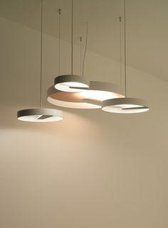 Runde Pendelleuchten für Esszimmer-LED-Lichtquelle LIPPS von Trizo21
