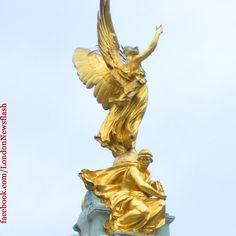 Victoria Memorial (Buckingham Palace) #london #buckinghampalace #gold #golden #sculpture #victoriamemorial #art #londonlife #londra #londres #instalondon #instatravel #uk #greatbritain #england #igers #igerslondon #igersuk #travel #travelblog #reise #reiseblog #viaje #voyage #allshots_ #photooftheday #all_shots #igerseurope #unitedkingdom #arte #kunst #skulptur #escultura #igersengland #picoftheday #instagood #instamood #instadaily #instalike #instagram  #blog  facebook.com/LondonNewsflash