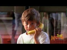 It's like the bananaphone song but as a prank. People do the weirdest things when faced with strange unusual situations. Funny Prank Calls, Funny Pranks, Phone Pranks, Banana Phone, Pranks For Kids, Prank Videos, Just Kidding, Songs, Ring Ring