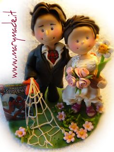Set the #superhero inside you free on your very own #wedding #caketopper with www.marymade.it #spiderman #hero