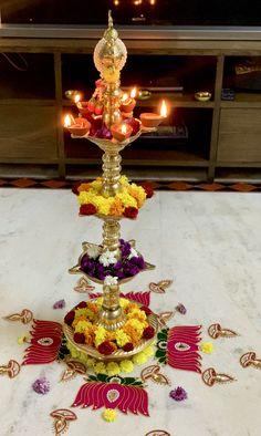 Rangoli Designs Flower, Rangoli Kolam Designs, Flower Rangoli, Diwali Decorations At Home, Festival Decorations, Flower Decorations, Diya Rangoli, Diwali Diya, Tea Table Design