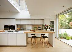 46 Simple Modern Scandinavian Kitchen Inspirations - Modern Home Design Kitchen Sets, Open Plan Kitchen, Kitchen Living, New Kitchen, Kitchen Decor, Island Kitchen, Kitchen Island Extension Ideas, Island Table, Long Kitchen