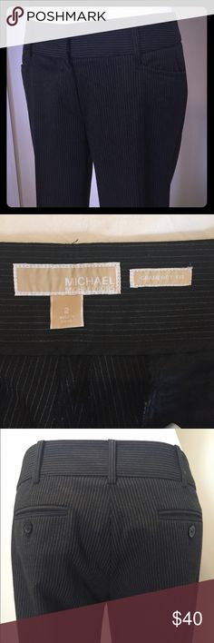 Michael Kors Pinstripe Pant 2 Gramercy Fit MICHAEL MICHAEL KORS GRAMERCY FIT PETITE Size 2 pinstripe pant. 32 inch inseam. No sign of wear. MICHAEL Michael Kors Pants