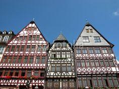 Neu erbaute Fachwerkhäuser am Römer in der ehemaligen Altstadt von Frankfurt am Main in Hessen
