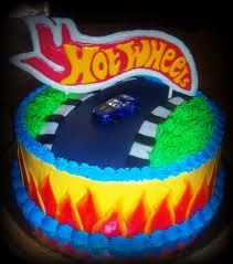 Birthday cake for men cars hot wheels 20 ideas Hot Wheels Party, Festa Hot Wheels, Hot Wheels Birthday, Pixar Cars Birthday, Race Car Birthday, Cars Birthday Parties, Baby Birthday, Birthday Ideas, Birthday Cakes For Men