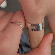 Cute Relationship Goals, Cute Relationships, Relationship Rings, Cute Promise Rings, Couples Promise Rings, Boyfriend Promise Ring, Fotojournalismus, Piercings, Accesorios Casual