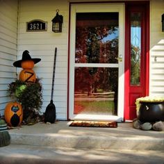 Halloween Porch And DIY Outdoor Halloween Decorations.