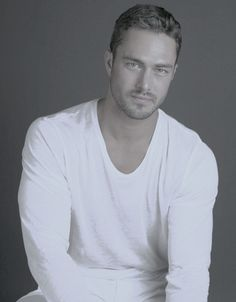 Taylor Kinney is the reason i watch Chicago Fire