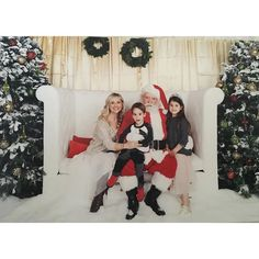 Pin for Later: The Best Celebrity Christmas Cards of 2015 Sarah Michelle Gellar