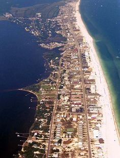 Wish I was here! Gulf Shores, Alabama...I can just feel the waves on my feet :)