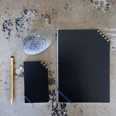 Diagonal Ring Notepad