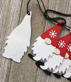 Christmas Gift Wrapping, Christmas Gift Tags, Xmas Cards, Handmade Christmas, Clay Christmas Decorations, Christmas Ornaments, Handmade Gift Tags, Nordic Christmas, Holiday Crafts