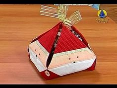 Sabor de Vida   Porta Panetone - 13 de Novembro de 2012 Christmas Sewing, Christmas Crafts, Christmas Ornaments, Paper Crafts, Diy Crafts, Gift Wrapping, Quilts, Holiday Decor, Pattern
