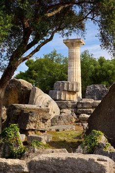 Temple of Zeus in Ancient Olympia, Greece Ancient Greece Display, Ancient Greece Ks2, Ancient Greece Crafts, Ancient Greece Lessons, Ancient Greece For Kids, Ancient Greece Fashion, Greece Architecture, Ancient Greek Architecture, Architecture Design