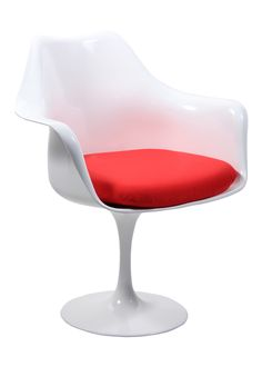 Tulip Chair designed by Eero Saarinen: an icon from mid-century modern | For more inspiring images, click here: http://www.delightfull.eu/en/""