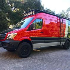 Check out this beautiful fully ROAMBUILT kitted 170 Sprinter. Big thanks to Team Rider for his patience and the killer photo! Ambulance, Off Road Rv, Truck Bed Camping, Sprinter Van Conversion, 4x4 Van, Van Home, Sprinter Camper, Cool Campers, Transporter