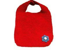 Rød babysmekke Straw Bag, Diy And Crafts, Barn, Beanie, Converted Barn, Beanies, Barns, Shed, Sheds