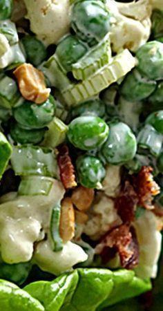 Crunchy Pea Salad - Family Fresh Meals - Megan Home Pea Salad Recipes, Salad Dressing Recipes, Vegetable Recipes, Salad Dressings, Pea Recipes, Salad Bar, Soup And Salad, Pasta Salad, Cocina Natural