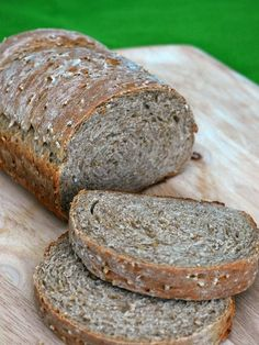 Embrace your Irish side with this heart-healthy Irish oatmeal bread. Steel-cut oats and whole wheat fiber provide you with 3 grams of fiber and 5 grams of protein per slice! St. Patrick's Day…
