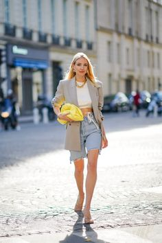 How To Wear Pantone's 2021 Colors Of The Year (Yes, There's Two) Yellow Pantone, Pantone Color, New Years Look, Yellow Coat, Grey Outfit, Color Of The Year, Grey Fashion, Silk Crepe, Trends