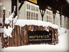 Wortreich im Schnee :-) Home Decor, Snow, Decoration Home, Room Decor, Home Interior Design, Home Decoration, Interior Design