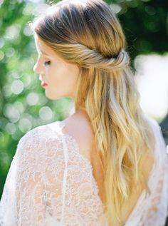 Casual Bridal Hair | photography by http://www.michelleboydphotography.com/