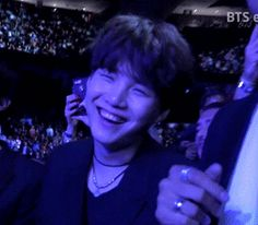 Laughing yoongi is my ultimate sun. I love him so much.