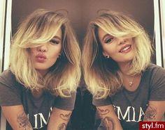 Średnie fryzury z grzywką - to jest hit! Full flip bob, blonde highlights - Strona 6