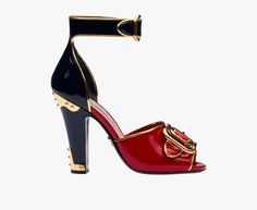 FW 2016 runway show Patent leather sandal with laminated trim Band with double…