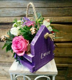 Wooden Box Crafts, Wooden Owl, Barn Wood Crafts, Valentine Flower Arrangements, Floral Arrangements, Christmas Wood Crafts, Home Wall Decor, Planter Boxes, Wood Boxes