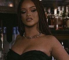 Boujee Aesthetic, Black Girl Aesthetic, Aesthetic Photo, Aesthetic Pictures, Mode Rihanna, Rihanna Riri, Rihanna Style, Rihanna Meme, Pretty People