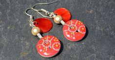 Boucles d'oreilles, boutons bois dessins géométriques et nacres - Bijoux fantaisie TessNess : Boucles d'oreille par tessness