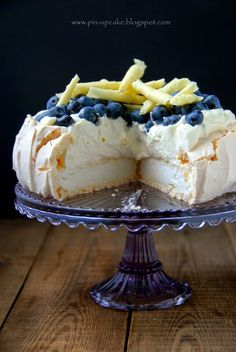 Pavlova, Blueberry, Pin Up, Food, Cakes, Recipes, Berry, Scan Bran Cake, Blueberries