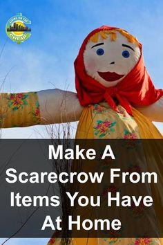 Make A Scarecrow, Halloween Scarecrow, Cheap Halloween, Holidays Halloween, Halloween Crafts, Scarecrow Ideas, Halloween Stuff, Halloween Halloween, Vintage Halloween
