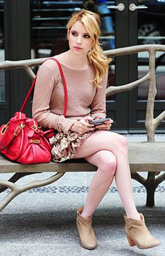 i love emma roberts when i see her in wild child movie.. she is so young on this movie :D and look like british people..