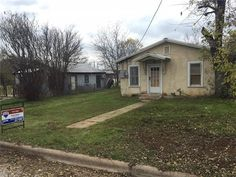 Check out this 107 W Houston ST,Llano,TX - $34,500 that I found http://www.cml02.net/listing/property/107-w-houston-st-llano-tx---78643-mlsn-abor-mlsid-2326120