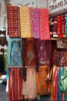 dubai markets