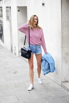 Sporty Casual Looks To Copy In 2017 - 2018 Fashion Trends Casual Look For Women, Looking For Women, Casual Looks, French Girl Style, Minimal Fashion, Minimal Style, Laid Back Style, Outfit Combinations, New Outfits